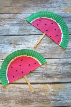 DIY Paper Plate Watermelon Fans Craft Such A Cute Summer Activity! DIY Paper Plate Watermelon Fans Craft Such A Cute Summer Activity! The post DIY Paper Plate Watermelon Fans Craft Such A Cute Summer Activity! appeared first on Paper Ideas. Popsicle Crafts, Craft Stick Crafts, Preschool Crafts, Daycare Crafts, Paper Plate Crafts For Kids, Diy Crafts For Kids, Arts And Crafts, Craft Kids, Paper Plate Fish