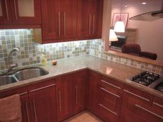 I like these cabinets....oh for the day my kitchen makes it out of the 70's