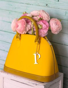 Pisidia USA Purse Giveaway from The Frosted Petticoat 7