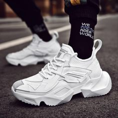 Boys Casual Shoes, Casual Sneakers, White Sneakers, Sneakers Fashion, Fashion Shoes, Mens Fashion, Trendy Shoes, Latest Fashion, Moda Sneakers