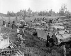 """1945 Norway, elements of the Panzer Brigade """"Norwegen"""" capitulate to the British troops"""