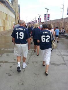 aprettygirlstruggle:    kissbonniescash:    cutest old couple    Stuff like this just doesn't exist these days…