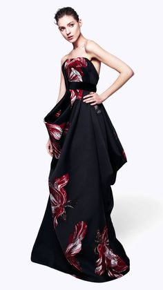 Alexender McQueen Pre-Autumn/Winter 2012 Absolutely LOVE this is so gorgeous its actually beyond words