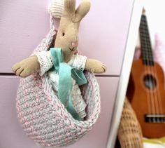 b u b b l e g a r m: Toddler crochet & a peek at Esra's room!