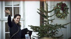 I løbet af juledagene har kronprinsesse Mary været med til at skabe en hyggelig stemning for alle. Kronprinsessen ser ud til at nyde at være tilbage i Kancellihuset i Fredensborg.