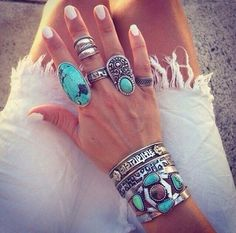 How to Chic: SILVER AND TURQUOISE RINGS
