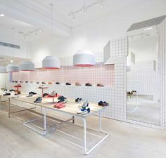 Camper Store in Glasgow by Tomás Alonso uses white tiles with black grout Shoe Store Design, Retail Store Design, Retail Stores, Visual Merchandising, White Tiles Black Grout, Camper Store, Retail Interior Design, Retail Solutions, Shop Interiors