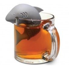 Your tea is not complete until you have a shark in it. And this Shark Tea Infuser is perfect for your tea time. Your chamomile tea just got a new dangerous Tea Strainer, Tea Infuser, Creative Kitchen, Empty Tea Bags, Blue Shark, Tea Accessories, Kitchen Aid Mixer, Kitchen Gadgets, Kitchen Tools