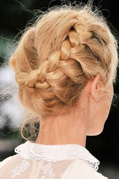 31 Dressy Braids For Short Hair | Creative Fan
