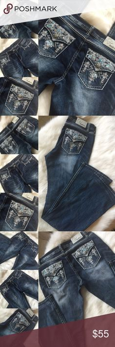 GRACE 🎀 GORGEOUS JEANS!!! Aztec Bling Jeans, 31 Size 31 X 34.5....Absolutely gorgeous jeans!!!  Detailing in the front and back!   Easy boot cut! Grace Jeans Boot Cut