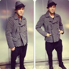 Daniel Alves, the fashionista Selection Daniel Alves, Fc Barcelona, Ideias Fashion, Button Down Shirt, Men Casual, Football, Mens Fashion, Coat, Mens Tops