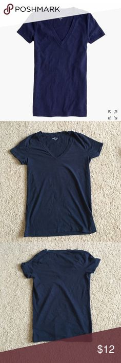 """J Crew Vintage Cotton V-Neck T-Shirt Sz Small Soft, vintage cotton v-neck tee. Color is navy. Slightly loose fit. Lightweight and has heathered texture. Made out of vintage slub cotton. Length is 23.75"""". Armpit to armpit measures 15.5"""" across. Good condition. No trades or PayPal. J. Crew Tops Tees - Short Sleeve"""