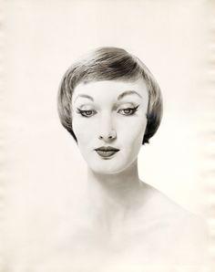 "hollyhocksandtulips: "" Evelyn Tripp Portrait by Erwin Blumenfeld "" Vintage Photography, Fine Art Photography, Portrait Photography, Fashion Photography, Dada Collage, Rome, Berlin, Berenice Abbott, Vintage Beauty"