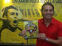 Conocen a este ex-jugador? Barcelona es para mi un amor para toda la vida... palabras de un ídolo del IDOLO..... y ya tuvo en sus manos el #AlbumBarcelona