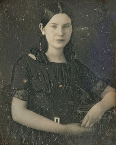 Pretty young lady, 1840's-50's most likely!