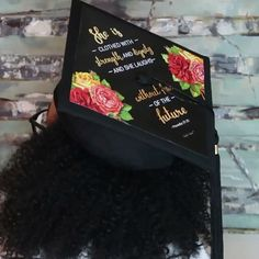 DIY: How I Upgraded MY Graduation Cap 👩🏾‍🎓 Quick 💪🏼🎬 video. Print design and Add to Graduation Cap in 5 m Disney Graduation Cap, Graduation Cap Toppers, Graduation Cap Designs, Graduation Photoshoot, Graduation Cap Decoration, Graduation Party Decor, Grad Cap, College Graduation, High School Graduation Picture Ideas