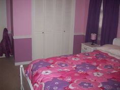 pink and purple girls room - Love the two tones on the wall, would go great with their castle bed