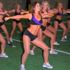 The Minnesota Vikings Warm Up Routine - Workout Routines: Minnesota Vikings Cheerleaders Share Their Training Plan for Staying in Shape During the NFL Season   Shape Magazine