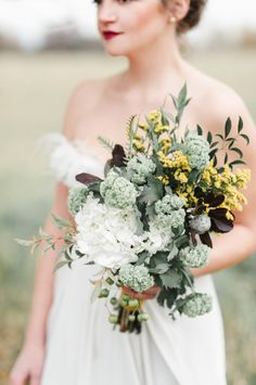 Elegant Rustic Bouquet | photography by http://www.rebeccahollis.com