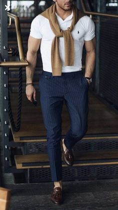 189 minimal business casual outfits for men - page 1 Blazers For Men Casual, Business Casual Outfits, Business Casual For Men, Business Professional, Professional Women, Big Men Fashion, Mens Fashion Suits, Fashion Trends, Fashion Fashion