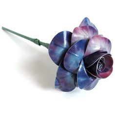 This rose is made completely of blue tie-dye duct tape. The printed blue tie-dye duct tape was my first roll of printed duct tape and I'm . Duct Tape Pens, Duct Tape Rose, Duct Tape Flowers, Paper Flowers, Duct Tape Projects, Duck Tape Crafts, Birthday Gifts For Teens, Teen Birthday, Cool Art Projects