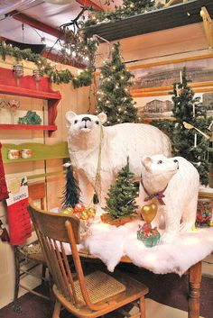 I wonder how hard it would be to make these paper mache polar bears?