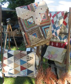 Antique Quilts...treasure trove of junking finds. Why can't I find a treasure trove of quilts, probably because I am busy making them.