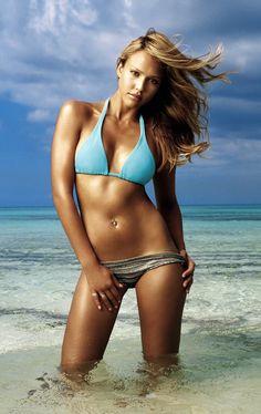 Jessica Alba - looking amazing;  My inspiration!!!