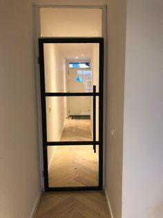 Stalen afdekdeur met glas - Lilly is Love Home Living Room, Living Room Designs, Black Doors, Types Of Doors, Steel Doors, Internal Doors, Sliding Glass Door, Wooden Doors, Door Design