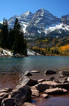 Maroon Bells, Aspen - Colorado God created this. Aspen Colorado, Colorado Mountains, Colorado Springs, Denver Colorado, Rocky Mountains, Oh The Places You'll Go, Places To Travel, Places To Visit, Beautiful World