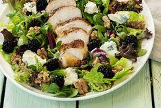 Kyllingsalat og grov focaccia Cobb Salad, Sprouts, Lunch, Dinner, Vegetables, Breakfast, Food, Drinks, Dining