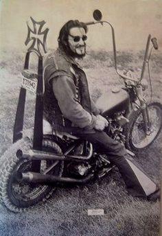 Nostalgia on Wheels: Roths Choppers Magazine - Select Biker Posters 1967 Classic Harley Davidson, Harley Davidson Chopper, Harley Davidson Motorcycles, Hd Vintage, Vintage Biker, Scooters, Old School Chopper, Motorcycle Clubs, Biker Clubs