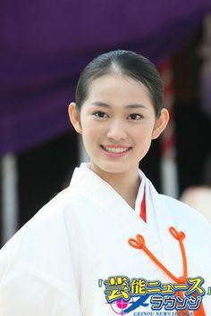 巫女 (Miko)