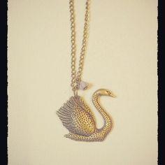 Collar cisne http://elbauldepaz.tictail.com