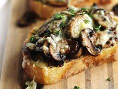 Quick and easy cheesy mushroom toast recipe! Sauteed mushrooms on toast with mustard fresh thyme and melted swiss cheese. A hearty savory vegetarian meal. Thyme Recipes, Tapas Recipes, Appetizer Recipes, Appetizers, Drink Recipes, Mushroom Toast, Mushrooms On Toast, Mushroom Recipe, Farmers Market Recipes