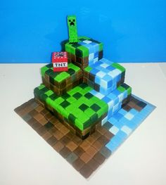 Minecraft waterfall cake for my sons 9th Birthday.
