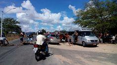 NONATO NOTÍCIAS: Manifestantes  bloqueiam  BA-381 trecho  da Sede d...