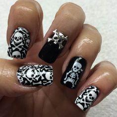 Skull & Crossbones Halloween Nails by Kelly Bennett