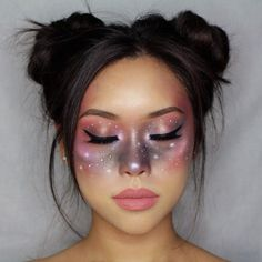 Looking for for ideas for your Halloween make-up? Browse around this site for cute Halloween makeup looks. Cute Halloween Makeup, Halloween Looks, Halloween Ideas, Alien Make Up Halloween, Halloween Makeup Tutorials, Alien Halloween Costume, Halloween Tutorial, Halloween Vampire, Creative Halloween Costumes