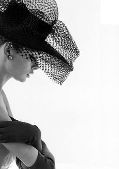 Audrey Hepburn:Super Star/Film & Broadway Star/Singer/Actress/Celebrity - I want a hat like this!