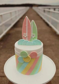 Vintage surf cake by Blissfully Sweet
