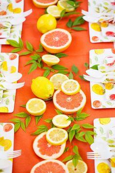 DIY Party Tablescape: Citrus Party! #centerpiece #tablescape #citrus #partyideas