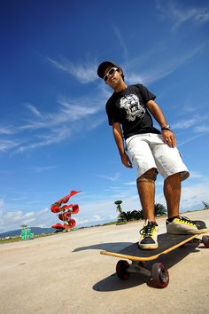 Skate by Thiago Souto, via Flickr