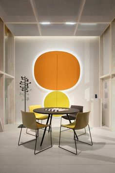 Parentesit wall panels with sound and light Meety table and Catifa chairs  by #lievorealtherr Molina @Orgatec #arper