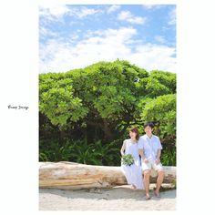 #石垣島 浜辺には南国らしい 木々が生えていて 海だけでなくネイチャー感ある いろんなタイプの写真が撮れます さぁ次は沖縄の原風景残る 町へいっくぞ #okinawa#沖縄フォト祭り#沖縄ウェディング#プレ花嫁 #日本中のプレ花嫁さんと繋がりたい #結婚式準備 #ドレス試着 #前撮り#ウェディングフォト#ロケーションフォト#ウェディングドレス#ブーケ