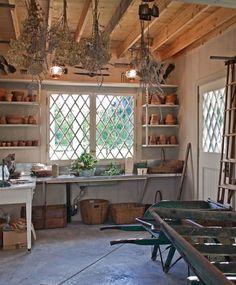 Potting shed by Solomon Bauer Giambastiani Architects