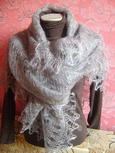 Square Orenburg Hand Knitted Shawl Wrap by KnittingShelf on Etsy, €47.00