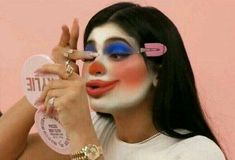 Find images and videos about kylie jenner, meme and reaction on We Heart It - the app to get lost in what you love. Memes Lol, Cute Memes, Stupid Funny Memes, Meme Faces, Funny Faces, Clown Meme, Flipagram Instagram, Gavin Memes, Fille Gangsta