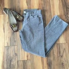 I just discovered this while shopping on Poshmark: J. Crew Matchstick Corduroy Pants. Check it out! Price: $19 Size: 30