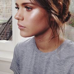With Spring officially right around the corner, my monthly beauty columnist: Jennifer from Hometown Heroine, spills her ten steps for creating perfectly luminous skin.